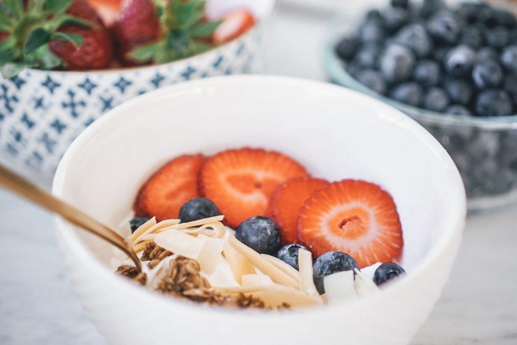 Super Easy & Healthy DIY Yogurt Breakfast Parfait Bar. Great for sleepovers and busy mornings.