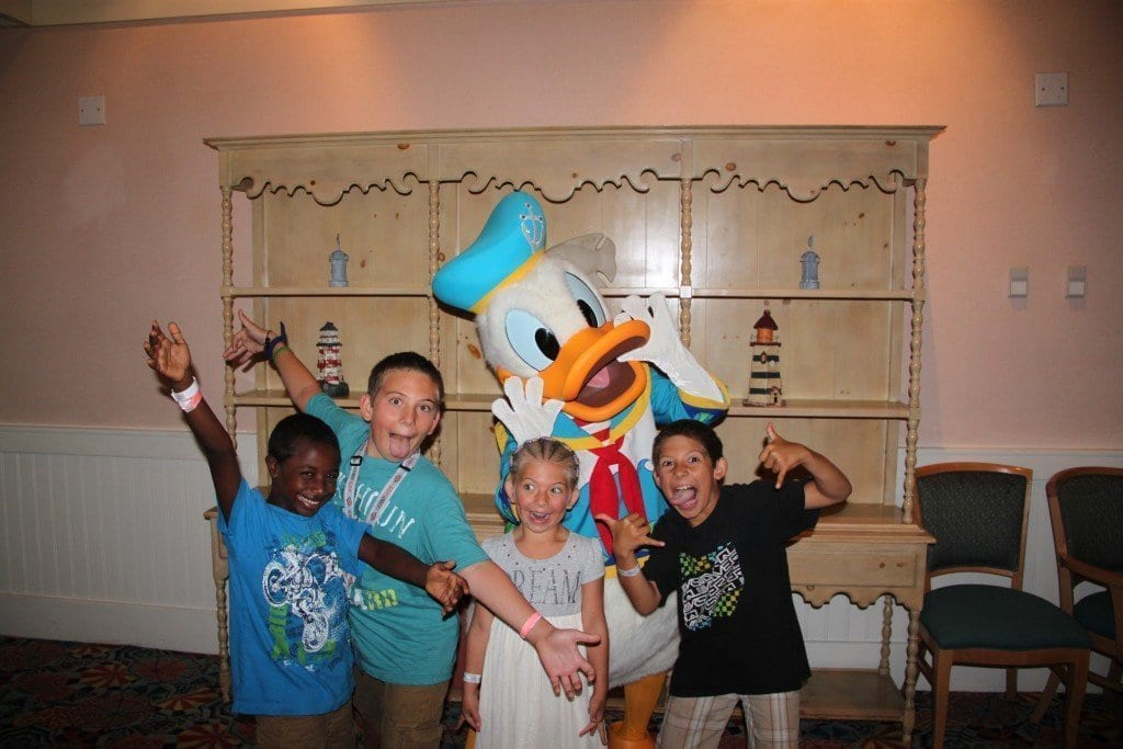 donald_capemaycafe_beachclub_disneyworld