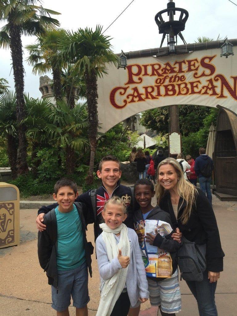entrance_Pirates_ride_disney_paris
