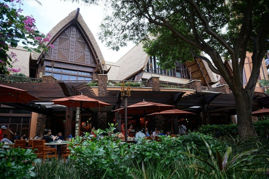 [4 Reasons] Your Family Will Love an Aulani Character Breakfast