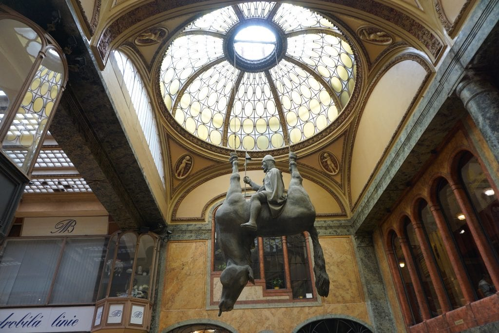 Upside_Down_Horse_Prague