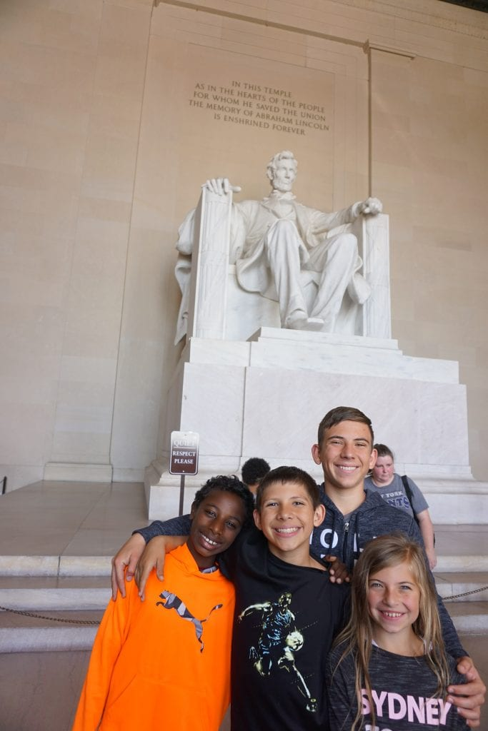 Lincoln_Memorial_with_Kids