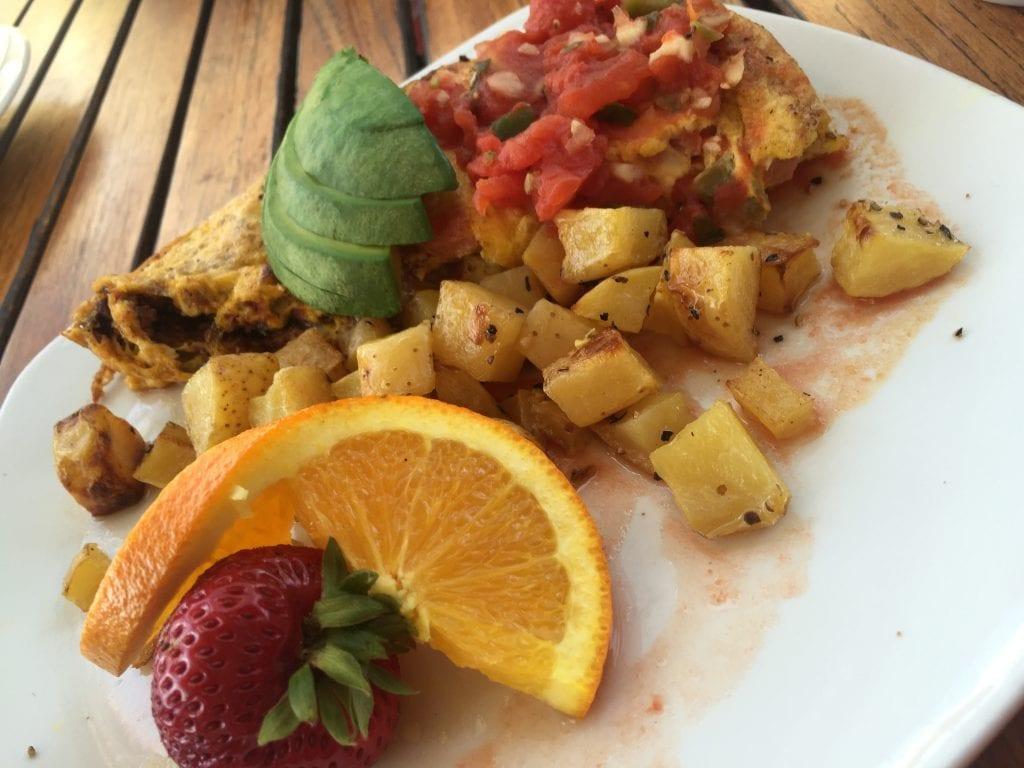 Egg Omelette from Aquaterra Restaurant in Fallbrook CA | Global Munchkins