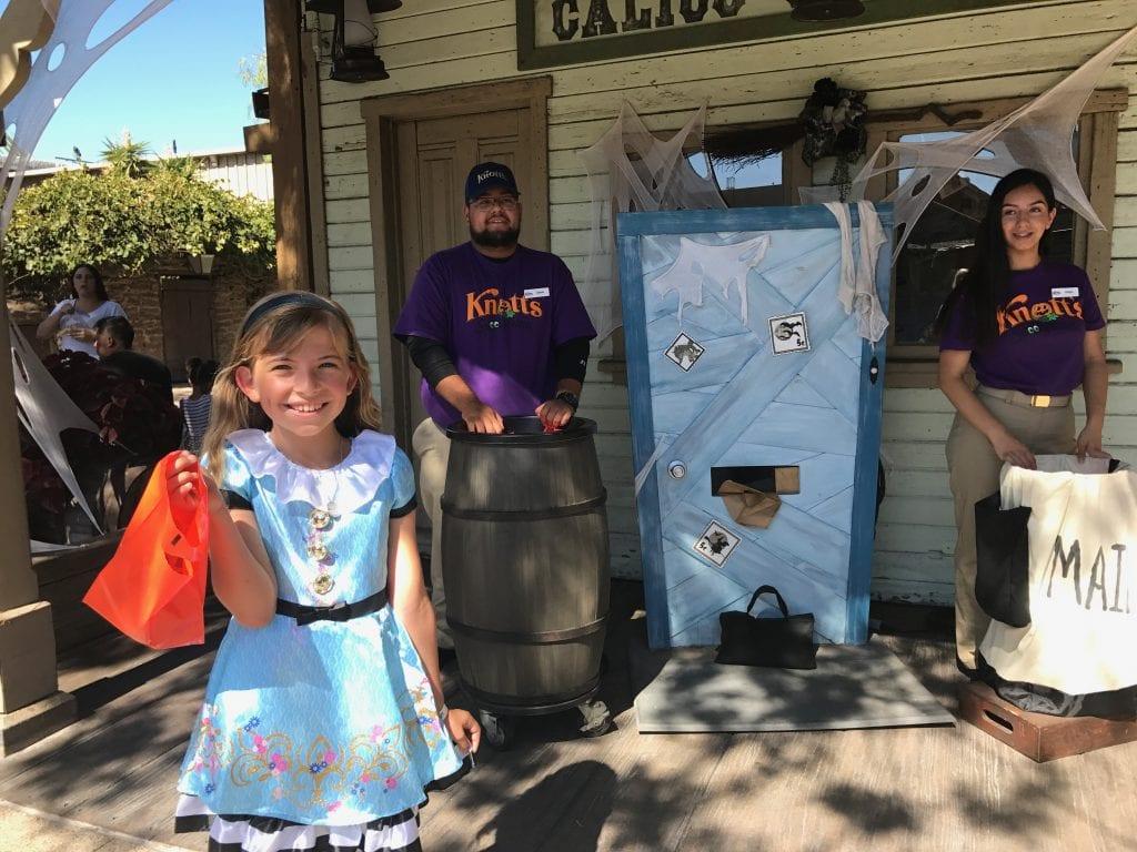 Knott's Spooky Farm Activities | Global Munchkins