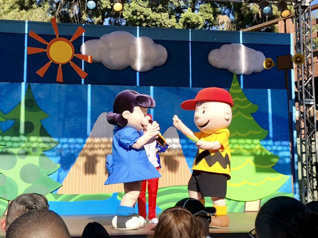 Knott's Berry Farm Snoopy area show
