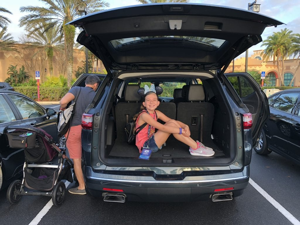 5 Amazing Tips for Parking at Disney World [save money]