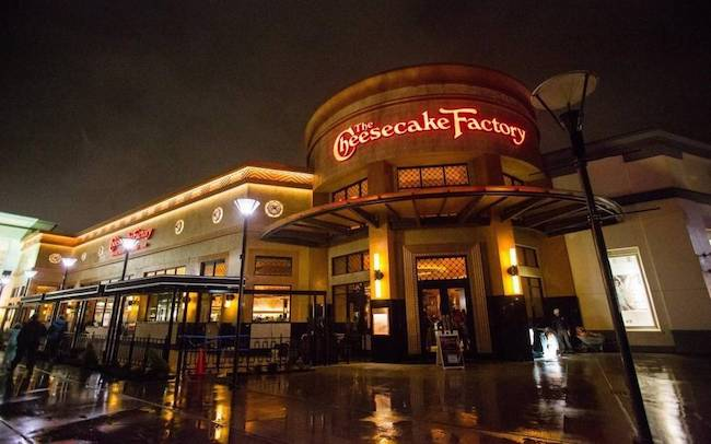 Cheesecake Factory -7 Reasons We Always Dine there While On Vacation