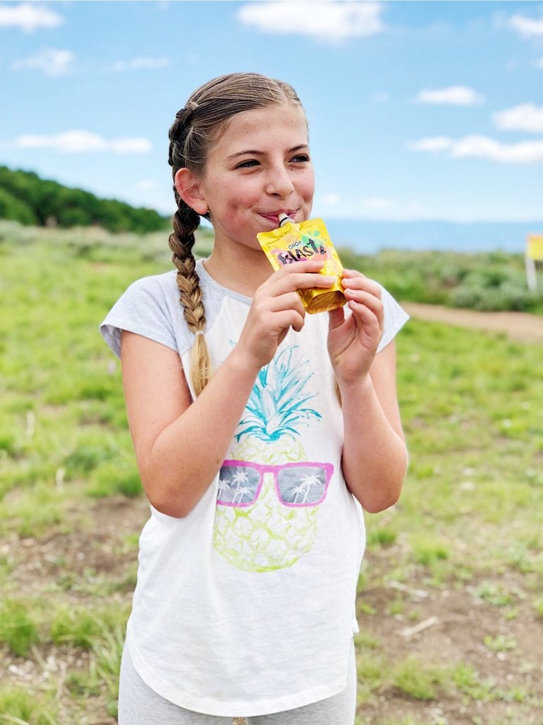 What hiking food to pack for kids. The BEST Hiking Tips for Tweens including my kids' favorite hiking food. #hikingwithkids #hikingtips #hikingfood