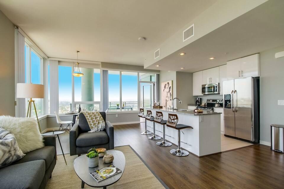 Airbnb San Diego Downtown
