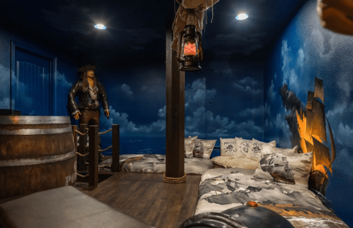 pirates room